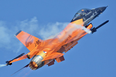 "Hungarian International Airshow & Military Display at Kecskemet AB (LHKE) on August 2, 2013. Royal Netherlands Air Force (Fokker) F-16AM Fighting Falcon ""J-015"" (cn 6D-171/89-0015). The Duch Demo Team F-16 ""Golden Lion"" is always a pleasure to see."