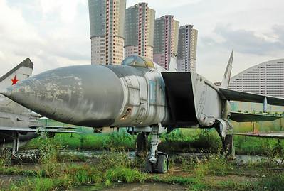 """MiG-25PD Foxbat-E """"08 Blue"""""""