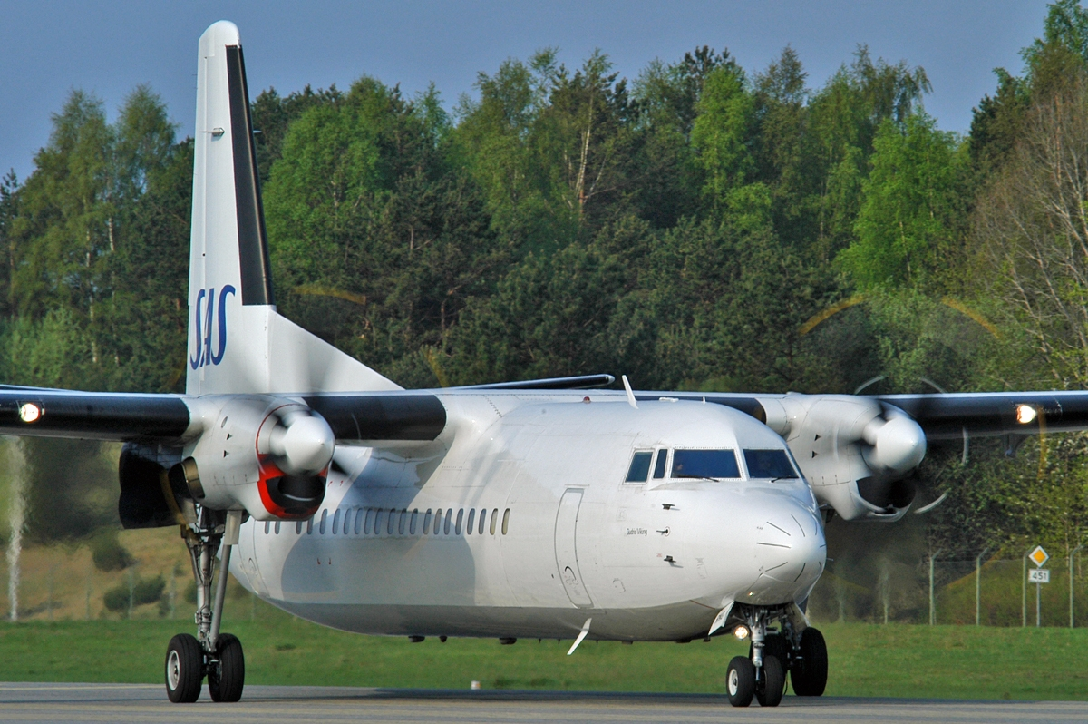 Kristiansand Airport Kjevik (KRS) on May 12, 2006. SAS Fokker 50 LN-RNG (cn 20184).