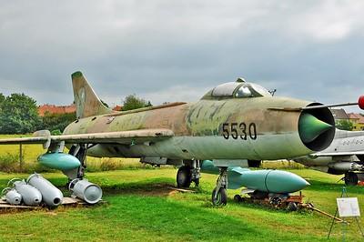 "Sukhoi Su-7BM Fitter-A ""5530 Black"""