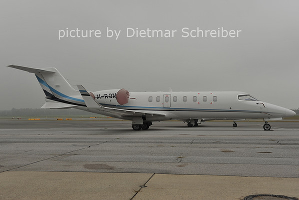2011-10-25 M-ROMA Learjet 40