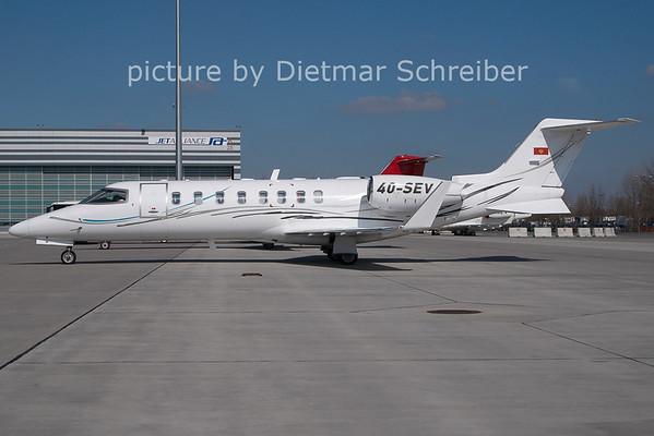 2011-03-21 4O-SEV Learjet 40