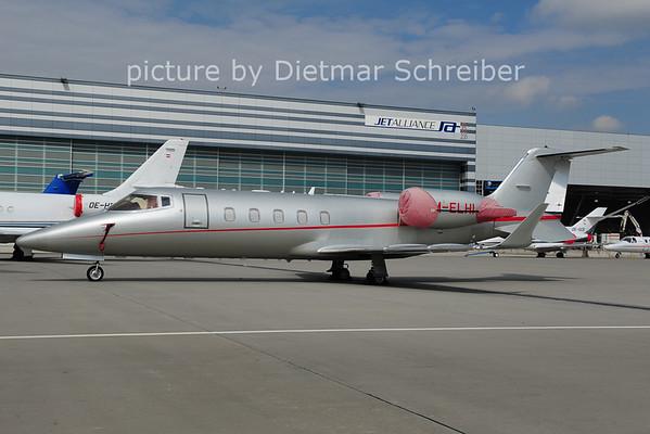 2014-04-22 M-ELHI Learjet 60