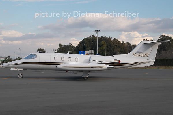 2009-01-10 N606GB Learjet 25
