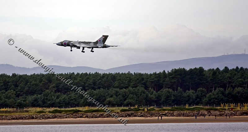 Vulcan Lands at Leuchars