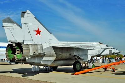 "MiG-25BM Foxbat-F ""408 Red"""