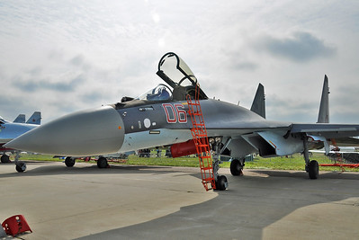 "Sukhoi Su-35S Flanker-E ""06 Red"""