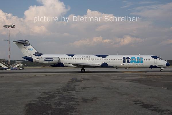 2006-07-29 I-DAVA MD82 Itali Airlines