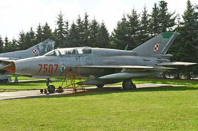 """MiG-21UM Mongol-B """"7507 Red"""""""