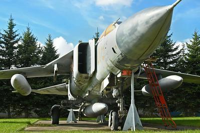 """MiG--23MF Flogger-B """"005 Red"""""""