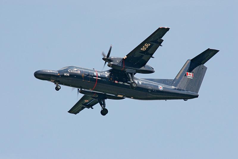 A De Havilland Canada CT-142 Dash 8 (DHC-8-102)