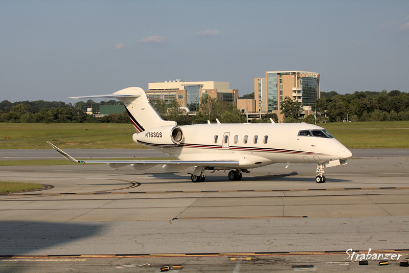Bombardier BD-100-1A10  Challenger 350  N763QS<br /> NetJets<br /> Arriving from West Palm Beach<br /> KPDK, DeKalb, GA,   09/22/2017<br /> This work is licensed under a Creative Commons Attribution-<br /> NonCommercial 4.0 International License