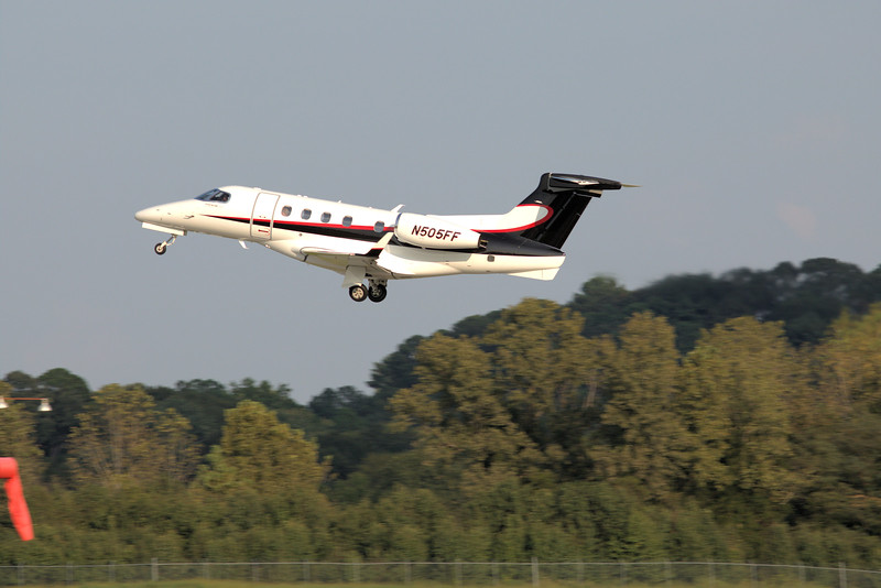 Embraer EMB-505 Phenom 300 s/n 50500226 N505FF<br /> Jones Co, Waycross, GA<br /> Heading out to Waycross-Ware County<br /> <br /> KPDK, DeKalb, GA,   09/22/2017<br /> This work is licensed under a Creative Commons Attribution-<br /> NonCommercial 4.0 International License