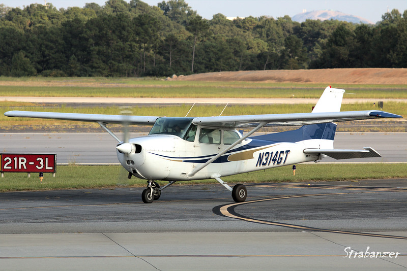 Cessna 172P Skyhawk  c/n 17274774 N314GT<br /> Yellow jacket Flying Club Inc, Atlanta, GA<br /> <br /> KPDK, DeKalb, GA,   09/22/2017<br /> This work is licensed under a Creative Commons Attribution-<br /> NonCommercial 4.0 International License