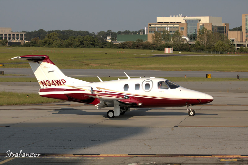 Eclipse Aviation 500  Model 550  c/n 550-1012   N34WP<br /> Heading out to Thomasville Regional<br /> KPDK, DeKalb, GA,   09/22/2017<br /> This work is licensed under a Creative Commons Attribution-<br /> NonCommercial 4.0 International License