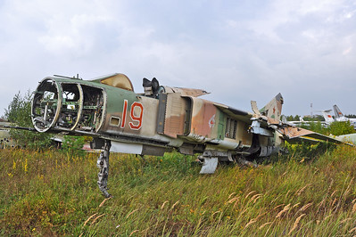 "MiG-23ML Flogger-G ""19 Red"""