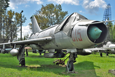 """Su-7BKL Fitter-A """"815 Red"""""""