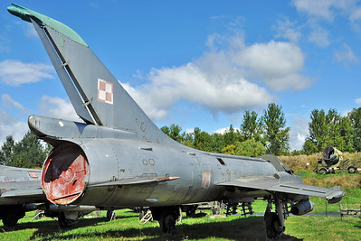 """Sukhoi Su-7BKL Fitter-A """"17 Red"""""""