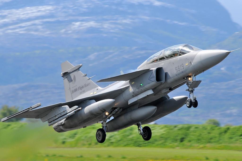 """NATO Tiger Meet at Ørland MAS (OLA/ENOL) on June 1, 2012. Czech Air Force JAS-39D Gripen """"9819"""" (cn 39-819)."""