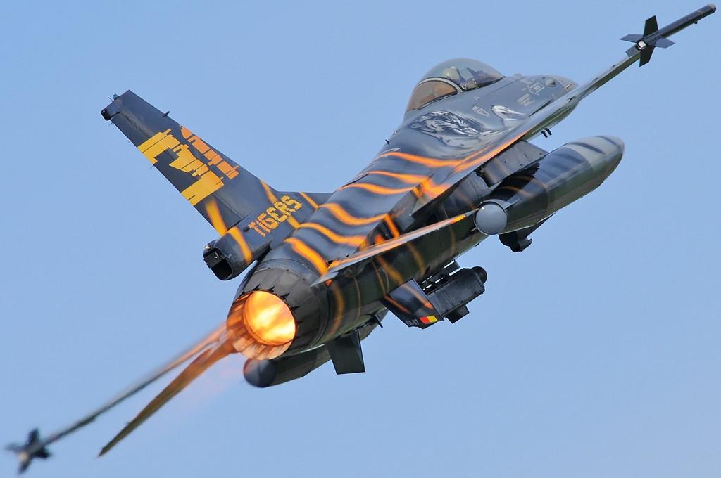 "NATO Tiger Meet at Ørland MAS (OLA/ENOL) on June 1, 2012. Belgian Air Force General Dynamics F-16AM ""FA-87"" (cn 6H-87/80-3578). Operated by 31 Smaldeel at Kleine Brogel AB."