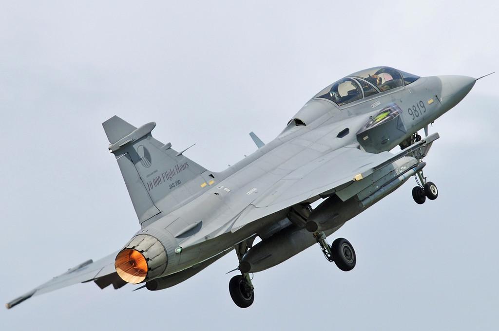 """NATO Tiger Meet at Ørland MAS (OLA/ENOL) on June 1, 2012. Czech Air Force Saab JAS-39D Gripen """"9819"""" (cn 39-819)."""