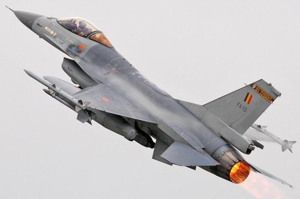 "NATO Tiger Meet Airshow at Ørland MAS (OLA/ENOL) on June 2, 2012. Belgian Air Force General Dynamics (SABCA) F-16AM Fighting Falcon ""FA-119"" (cn 6H-119/80-0044). Operated by 31 Smaldeel at Kleine Brogel AB."