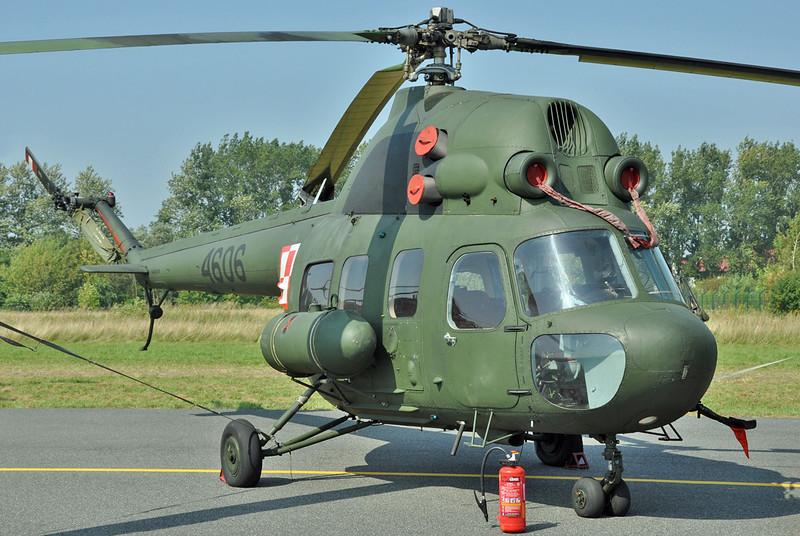 """Radom Air Show at Radom-Sadkow (EPRA) on August 27, 2011. Polish Air Force PZL-Swidnik Mi-2 TSz """"4606"""" (cn 544606016)."""