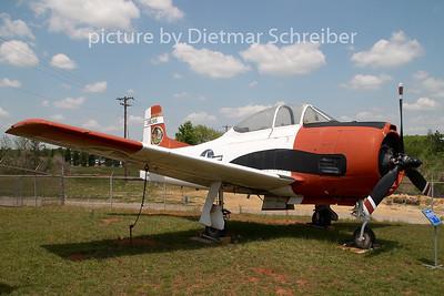 2008-04-24 38285 North American T28 Trojan