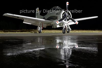 2012-08-17 N377WW North American T28 Trojan