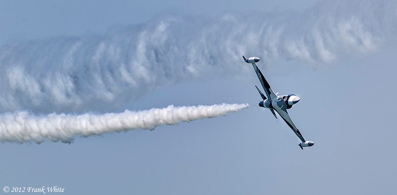 Black Diamond jet solo making a big turn. Ocean City, MD 2012 Airshow.