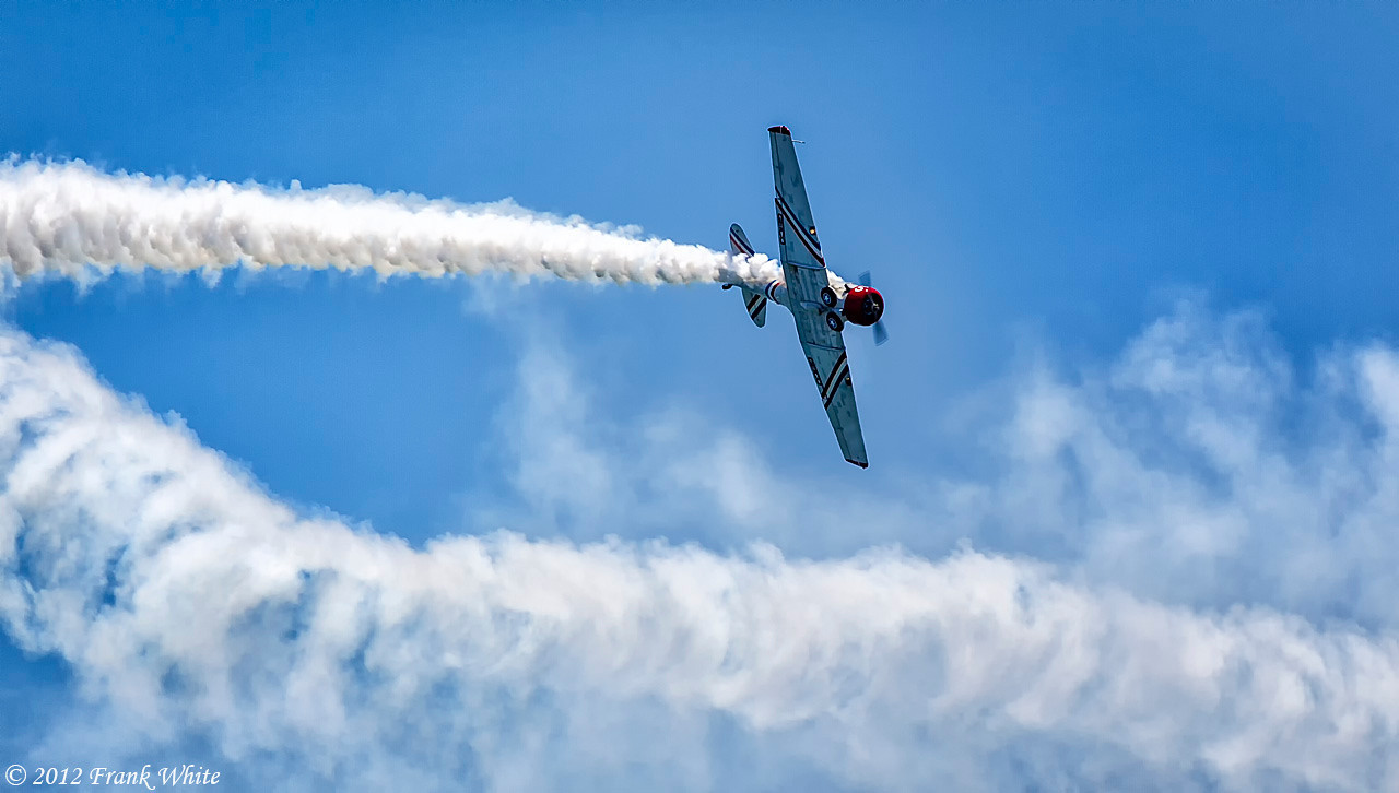 Solo T6 Texan from the GEICO Skytypers. Ocean City, MD 2012 Airshow.