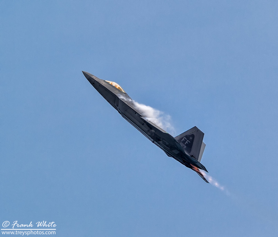 F-22 Raptor putting on a show