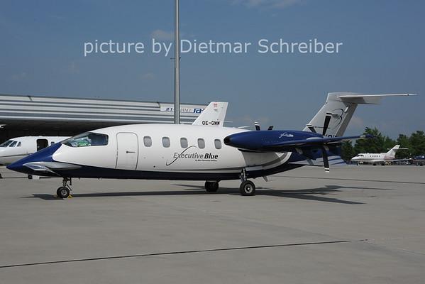 2013-05-08 I-FXRD Piaggio P180 Blue Panorama
