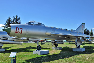 """Sukhoi Su-7BM Fitter-A """"03 Red"""""""