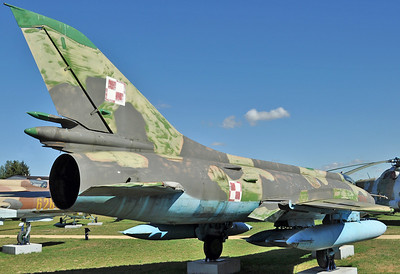 """Sukhoi Su-20R Fitter-C """"7125 Red"""""""