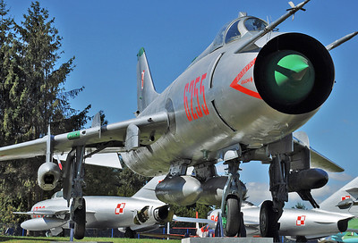"""Sukhoi Su-20R Fitter-C """"6255 Red"""""""