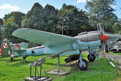 "Tupolev Tu-2S ""8 White"""