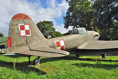 "Avia B-33 ""011"""