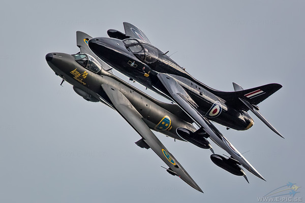 Hawker Hunter T7A and Hawker Hunter F58A, J34