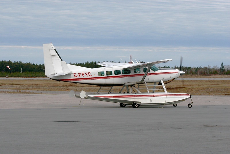 A Cessna 208 Caravan taxiing into position. We don't see too many Caravans on floats around the Dryden Airport.