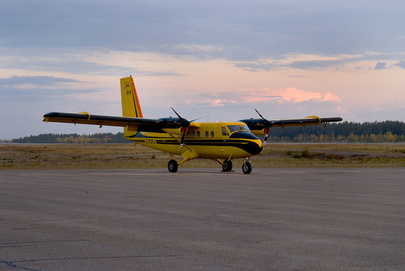 A Dehavilland DHC-6 SERIES 300 (Twin Otter) sitting on the main ramp at the Dryden Airport. Usually this aircraft sits on the MNR ramp, and on floats.