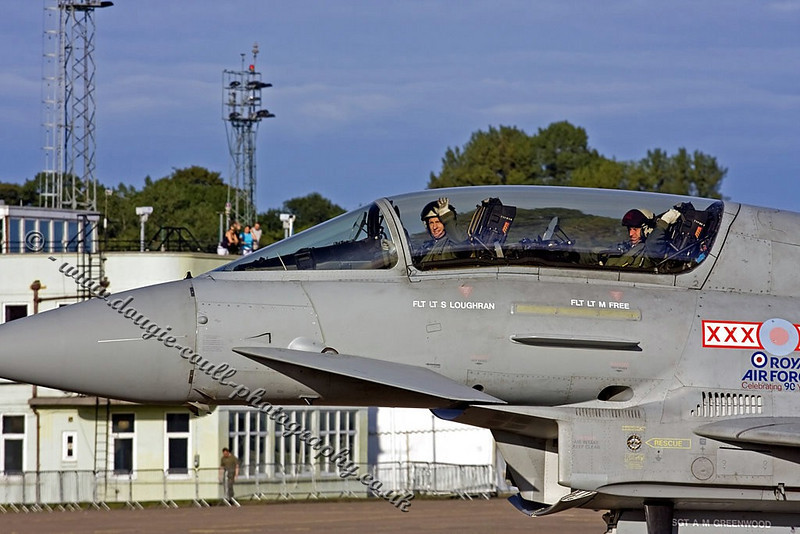 Typhoon Crew Give a Wave - Leuchars 2008