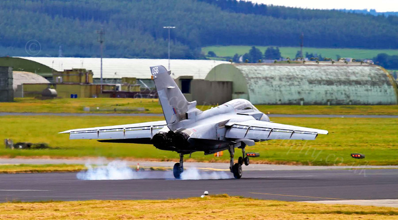 Tornado Landing at Lossiemouth - 9 August 2012