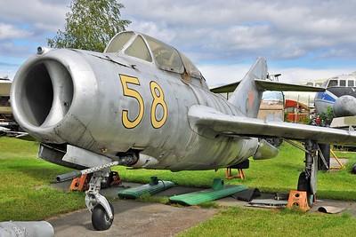 """Aero CS-102 Midget """"58 Yellow"""""""