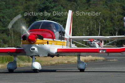 2012-08-15 OO-VPE DR400 Robin