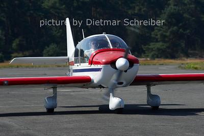 2012-08-15 F-GAEJ DR400 Robin