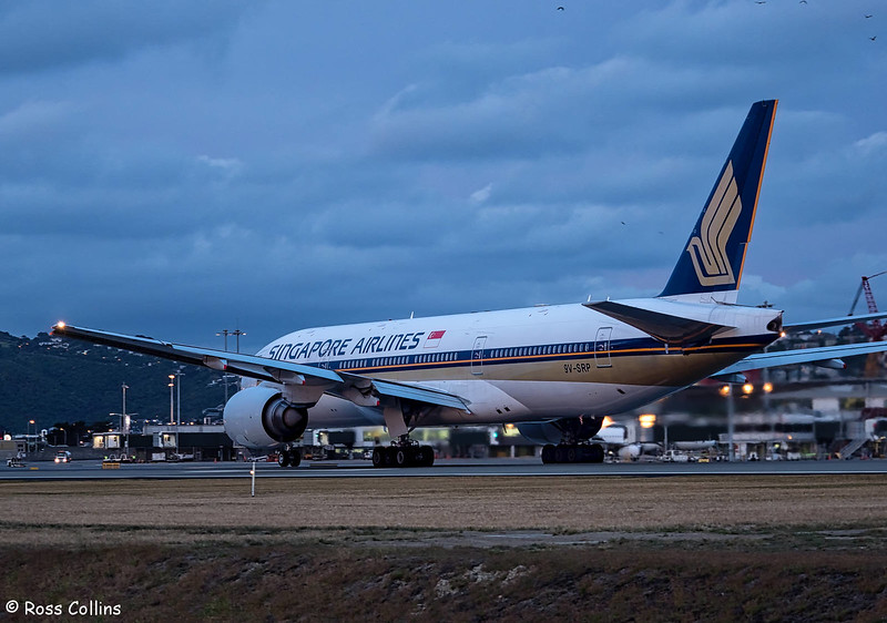 SIA B777-200 departure from Wellington, 24 November 2017