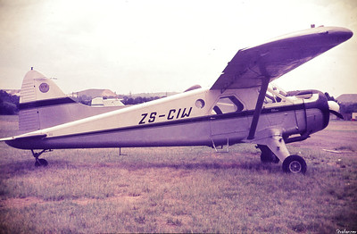 DHC-2 Beaver   c/n 1092    ZS-CIW  sometime in 1975   Might  have belonged to AVEX and, if so, was just before the repaint.  Rand Airport, Germiston, SA  (QRA) This work is licensed under a Creative Commons Attribution- NonCommercial 4.0 International License.