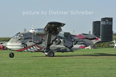 2011-08-26 OE-FDI Skyvan Pink Aviation