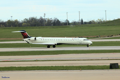 Bombardier CRJ-900ER C/N: 15222 N133EV Delta Connection (ExpressJet Airlines) Cincinnati/Northern Kentucky International Airport, KY   KCVG 04/13/2019 This work is licensed under a Creative Commons Attribution- NonCommercial 4.0 International License